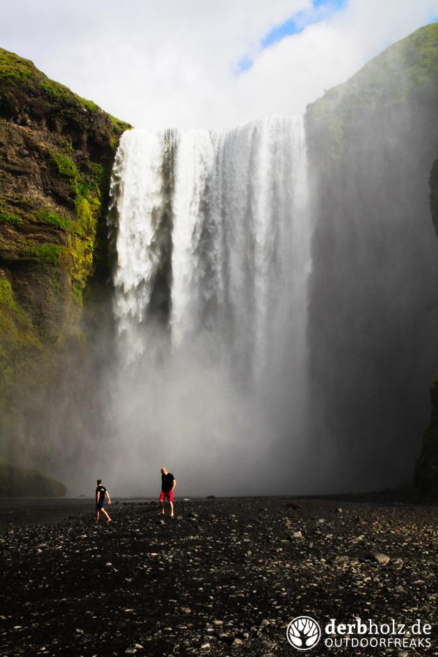 Locke und ReRe am Wasserfall