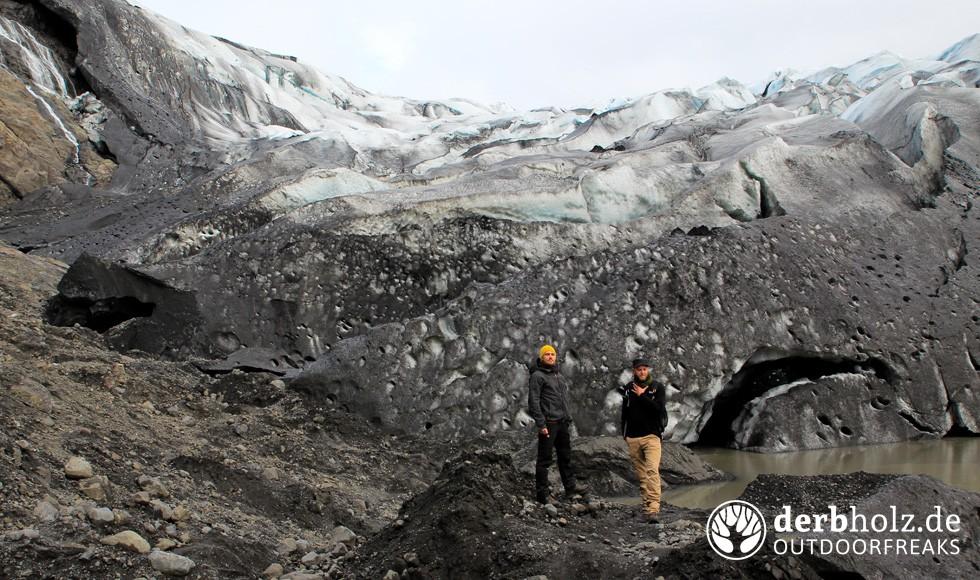 derbholz-ueber-uns-gletscher