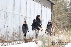 Derbholz MUNA Bunker Wolfsruh RaRa ReRe und NoNo vor Fahrzeughalle